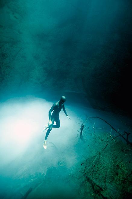 Saenz-de-Santamaria-Cenotes-Freediving-08.jpg