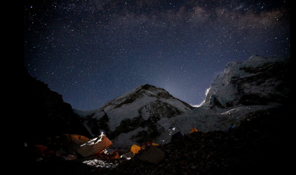 everest-time-lapse-600x354.jpg