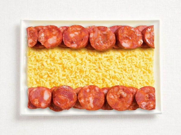 spain-flag-made-from-food-600x450.jpg