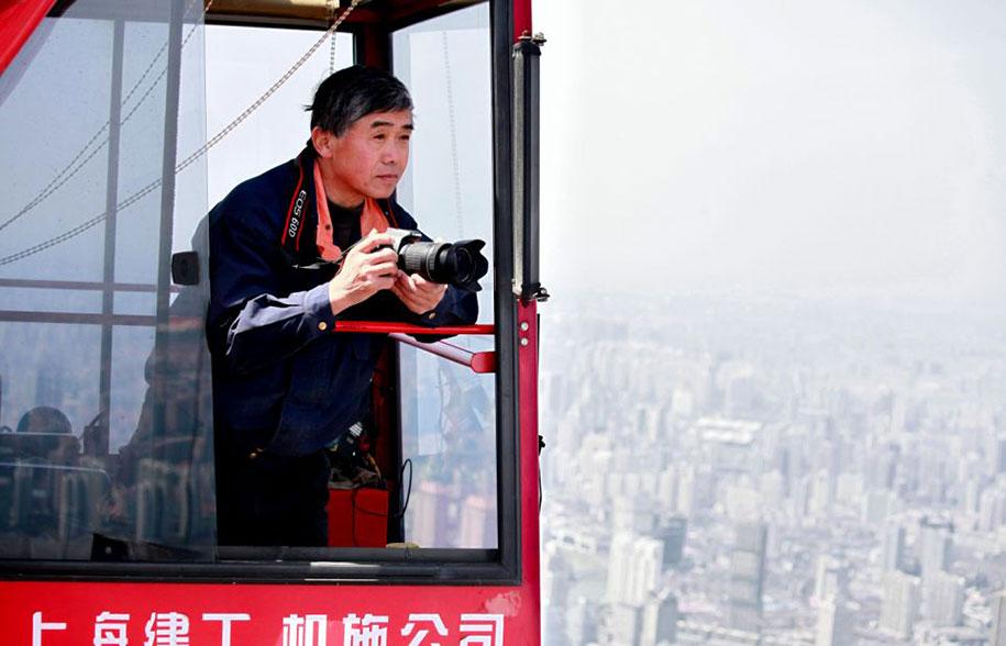 crane-operator-aerial-shanghai-photos-wei-gensheng-1.jpg