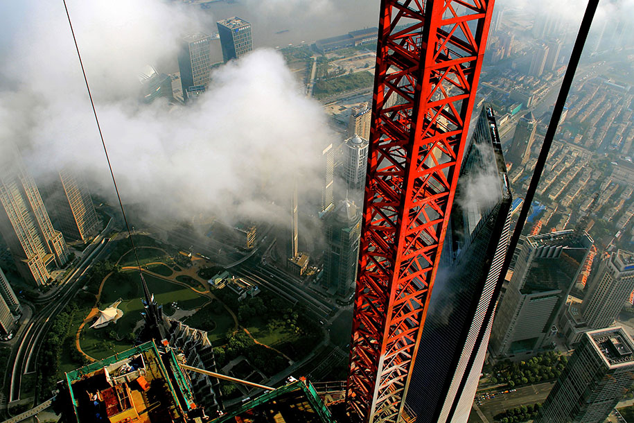 crane-operator-aerial-shanghai-photos-wei-gensheng-4.jpg