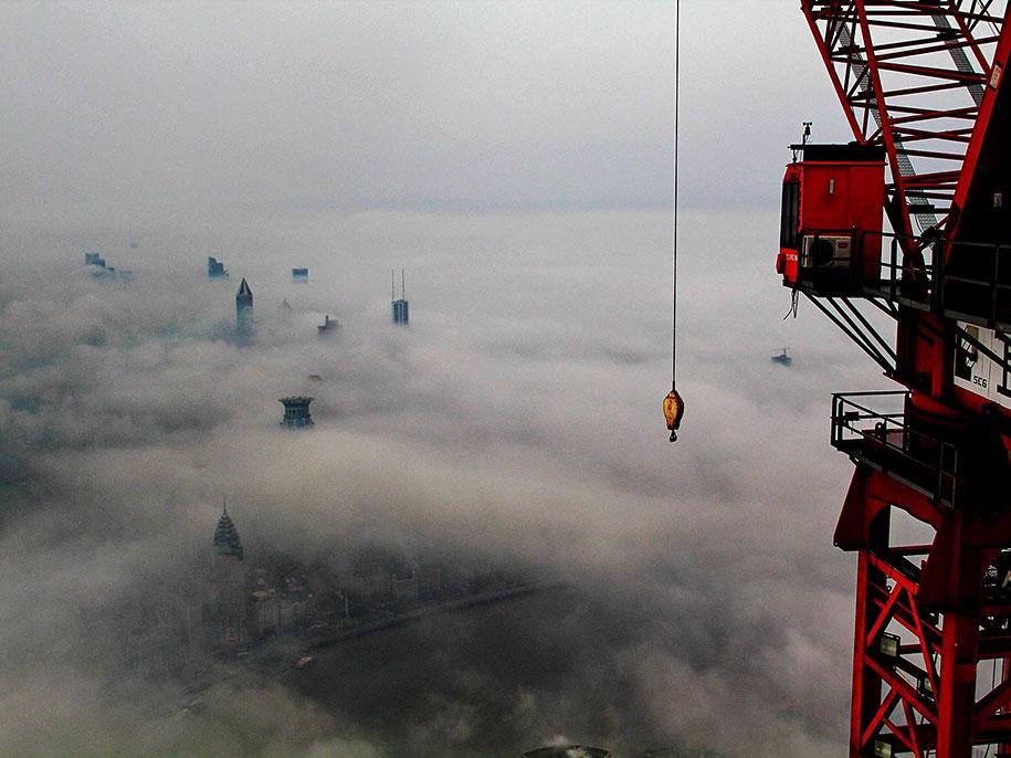 crane-operator-aerial-shanghai-photos-wei-gensheng-6.jpg