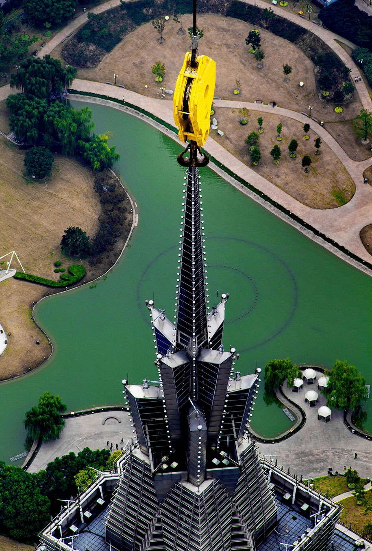 crane-operator-aerial-shanghai-photos-wei-gensheng-9.jpg