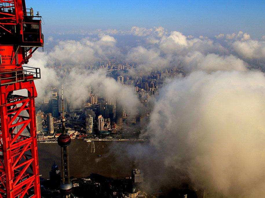 crane-operator-aerial-shanghai-photos-wei-gensheng-10.jpg