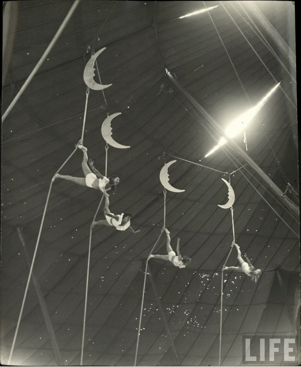 Daily Life of Circus Girls in Sarasota, Florida, ca. 1949 (6).jpg