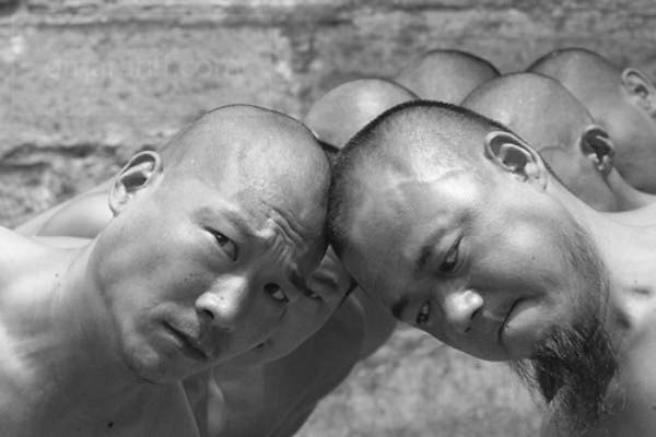 shaolin-monks-training-16.jpg