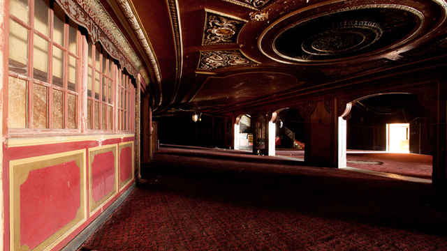 xlarge_loews_kings_theatre_21.jpg