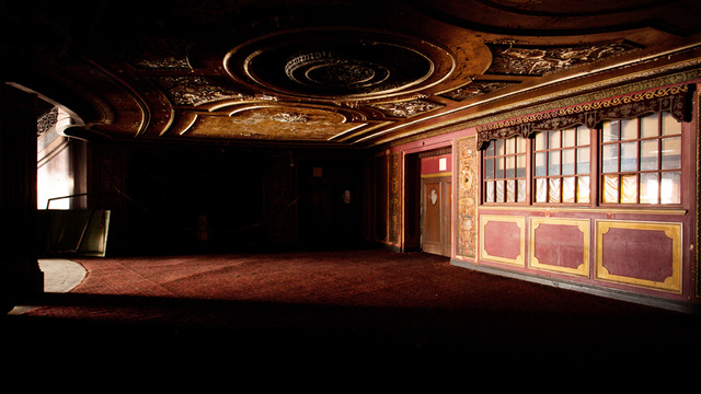 xlarge_loews_kings_theatre_19.jpg