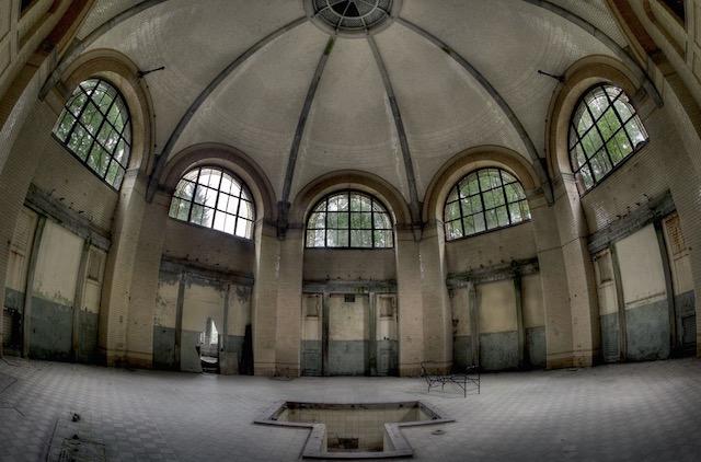 Abandonned-Soviet-Buildings-by-Rebecca-Litchfield9.jpg