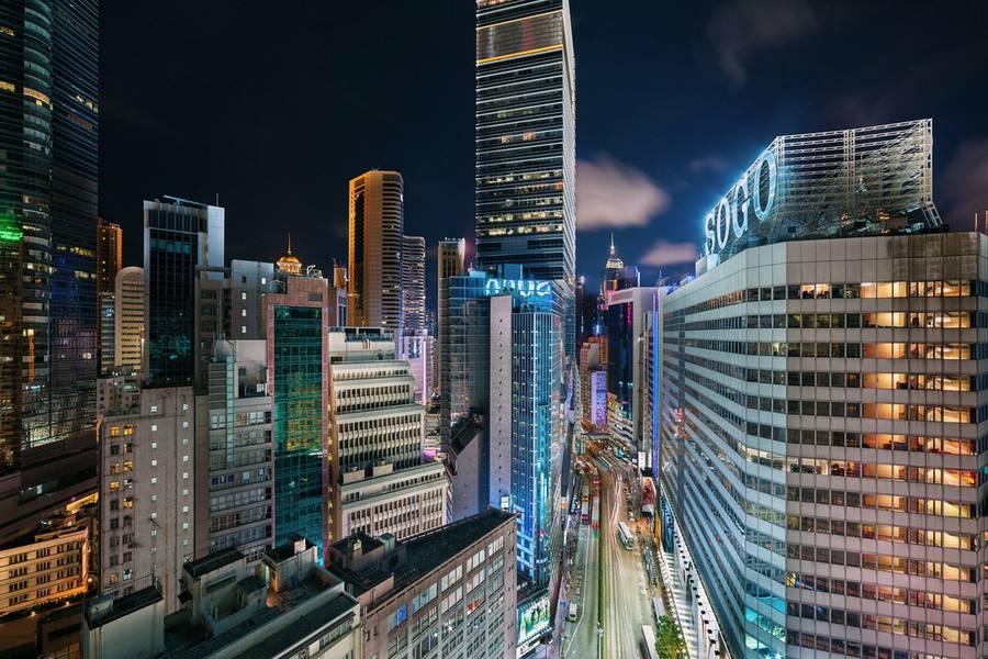 hongkongabovenight8-900x600 (1).jpg