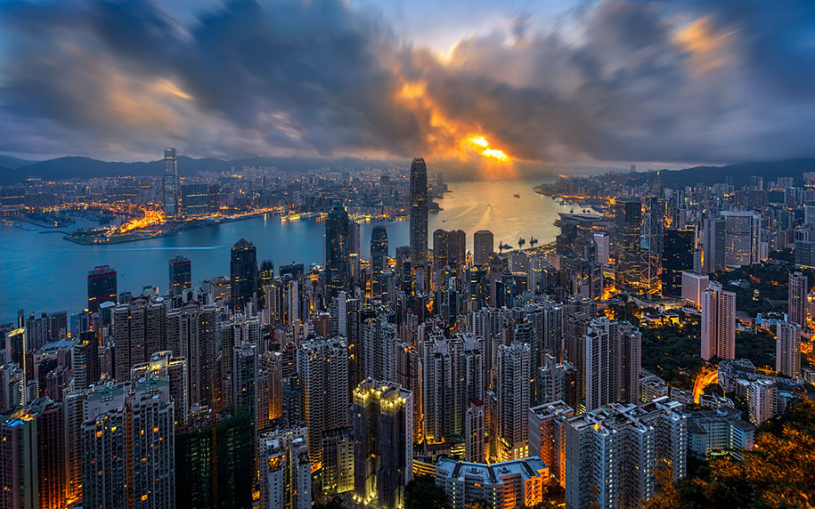 drone-photos-show-immense-size-hong-kong-8.jpg