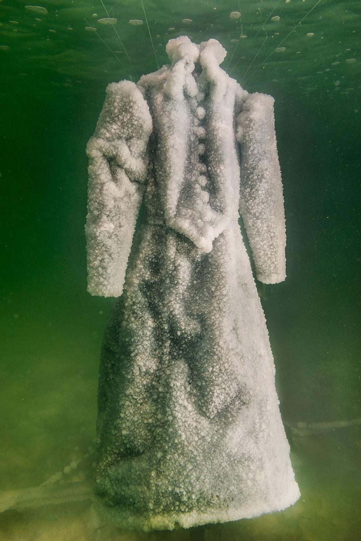 salt-bride-dress-sigalit-landau-dead-sea-4.jpg