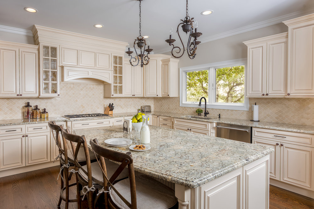 Residential And Commercial Kitchen And Bath Cabinets