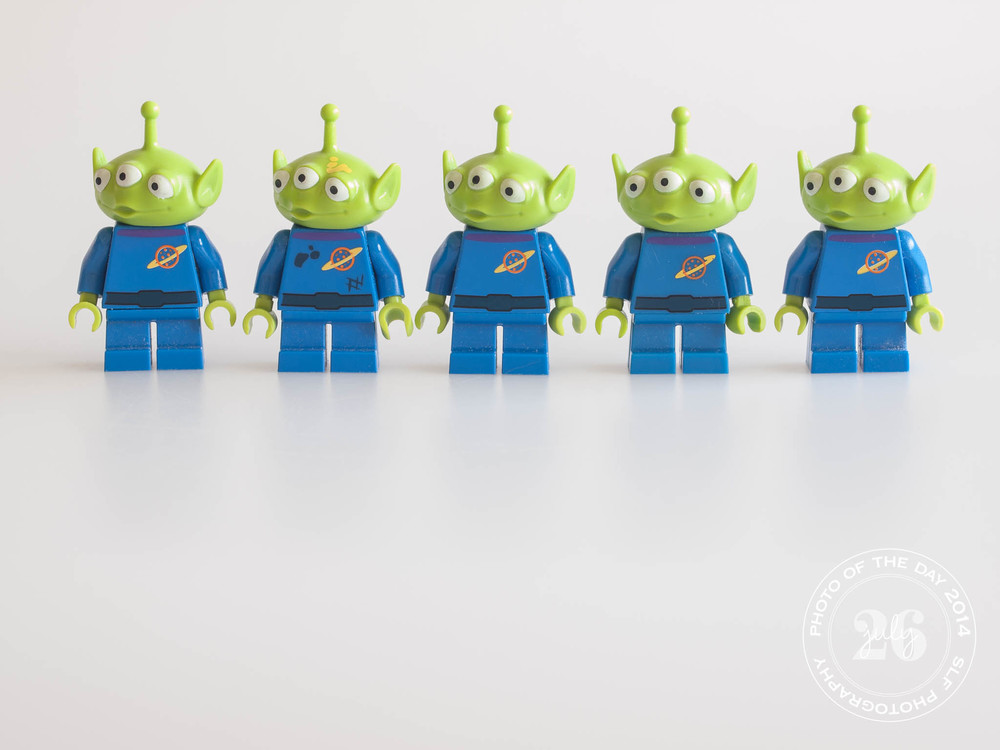 five aliens in a line