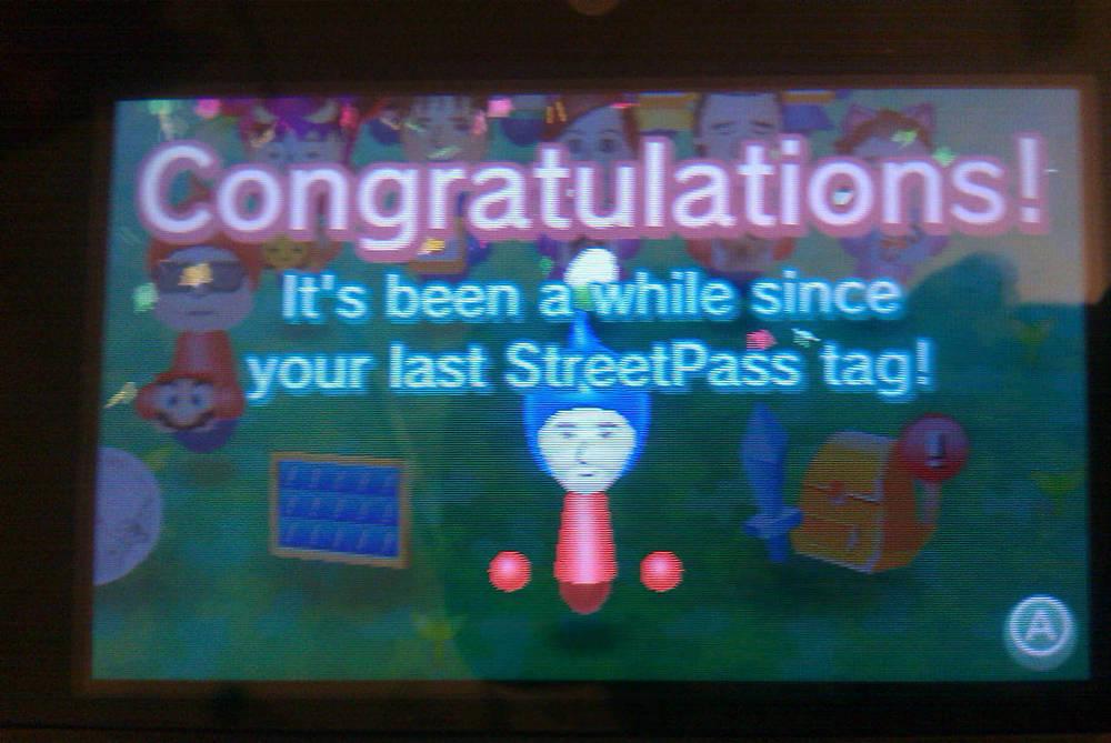 Unlocking achievements in StreetPass Mii Plaza.