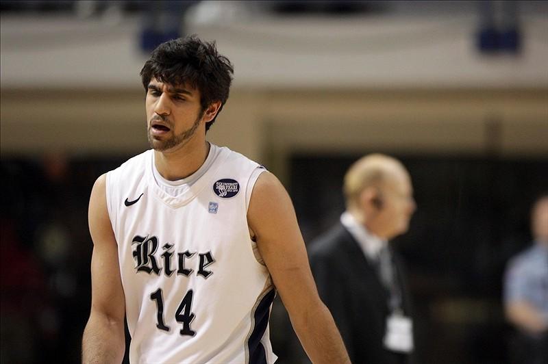 ارسلان کاظمی در حالی دانشگاه رایس را ترک میکند که تنها یکسال از زمان تحصیلش باقی مانده است