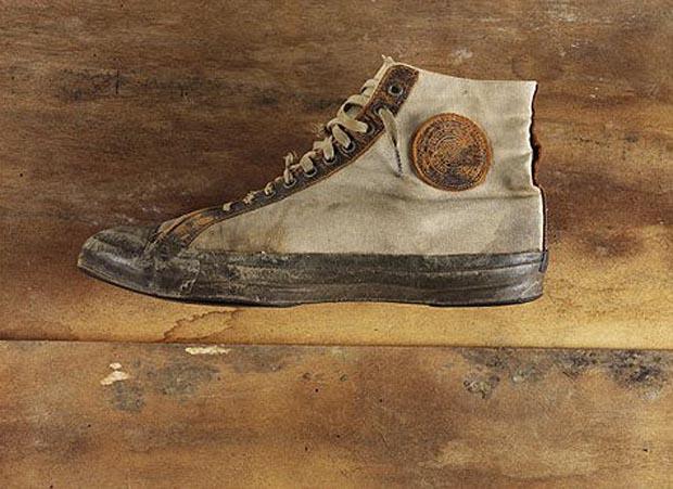 مدل های اولیه کفش چاک تیلور شباهت بسیاری به کفش های کانورس امروزی دارند