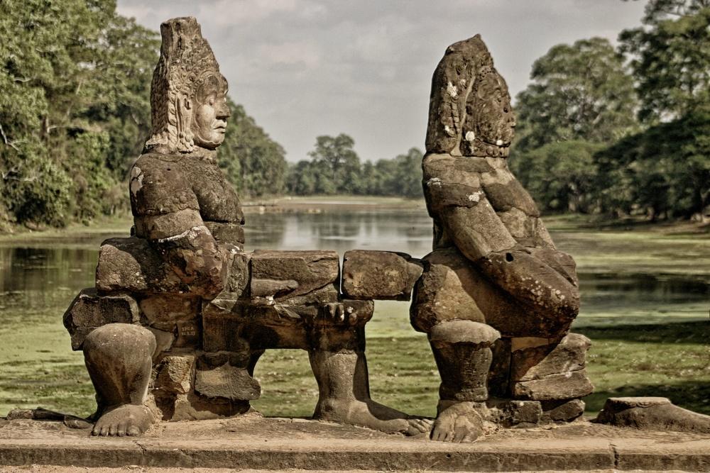 Bayon Entrance Statues.jpg