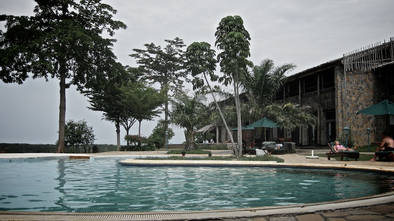 The pool at the Paraa lodge