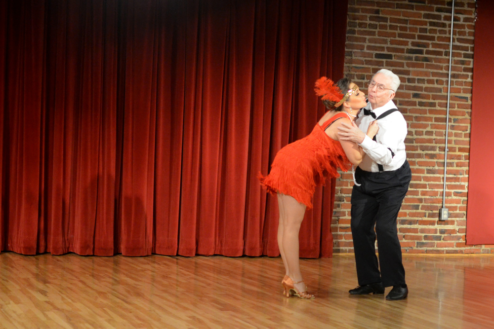 Howell Pabian and Shelley Fritz mixed Quickstep and Lindy Hop in this charming medley.