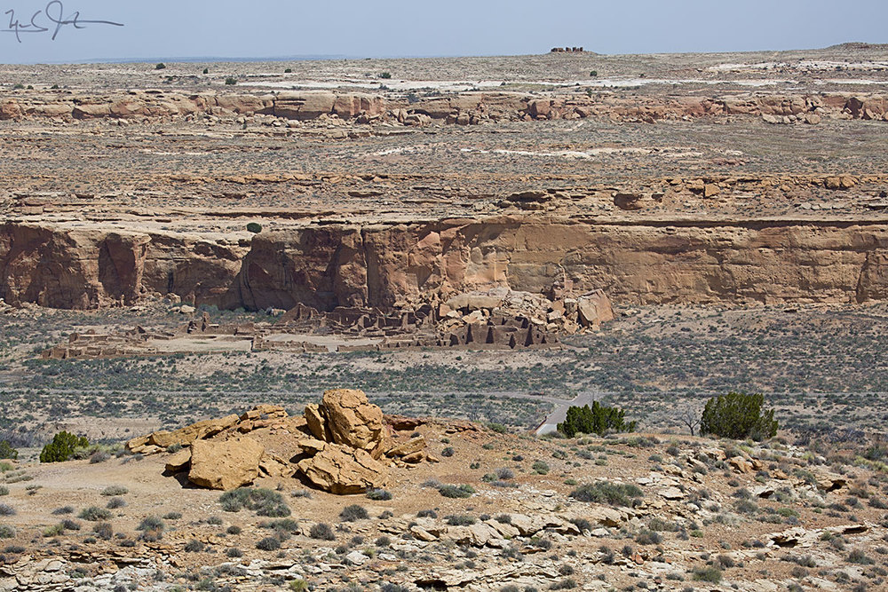 """Pueblo Bonito, the largest """"great house"""" in Chaco Canyon Culture Park in northwestern New Mexico, from the rim of the South Mesa."""