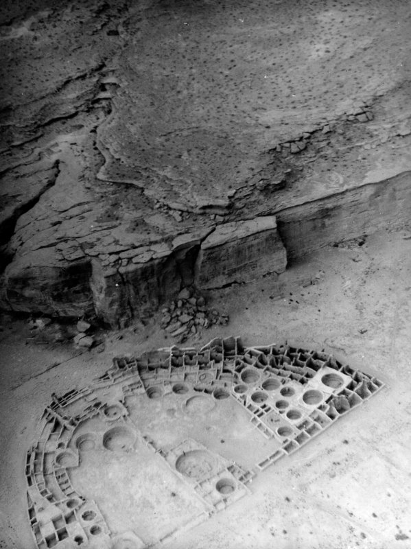 Aerial photo of Pueblo Bonito taken by Charles Lindbergh in 1929.