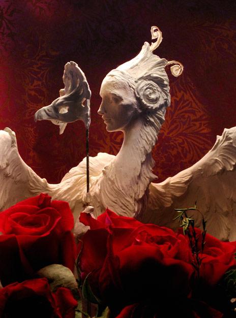 harpy-red-roses-464wb.jpg