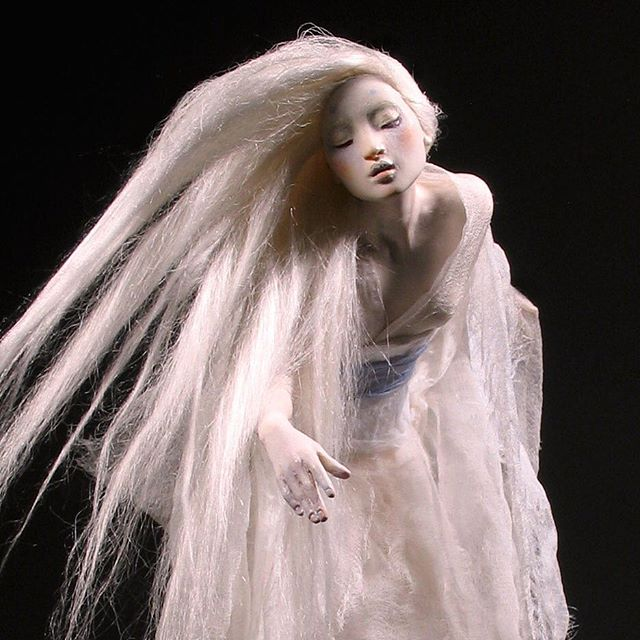 "Detail of Snow Maiden, or Yuki Onna, as interpreted from afar. She stands a bit over 13"" in Kato Polyclay & silks. — #snowmaiden #yukionna #japaneselegend #winterspirit #fairytale #polymerclay #katopolyclay #forestrogers"