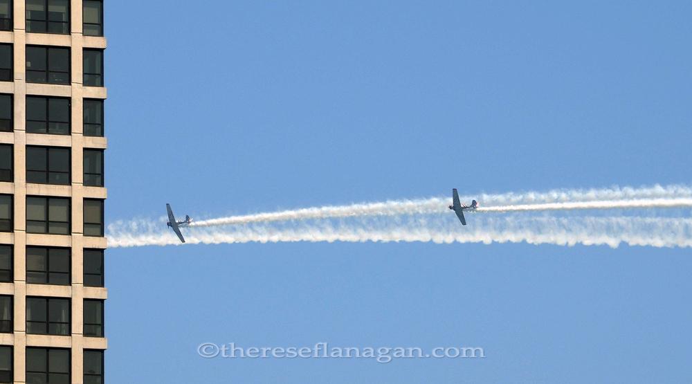 2 planes 1 building.jpg