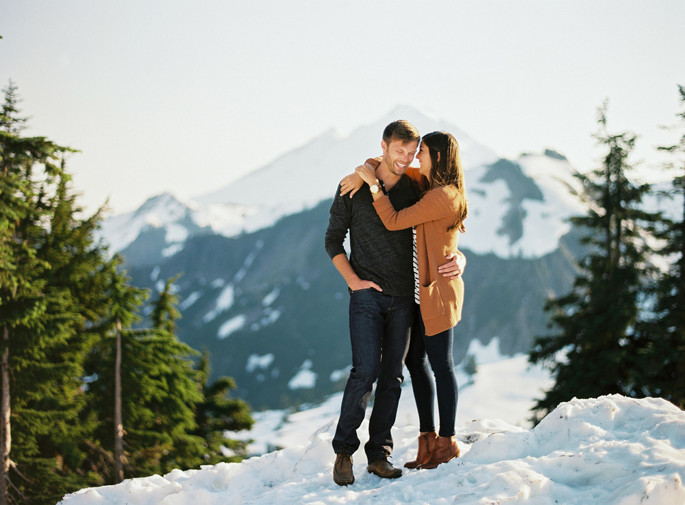 ryan-flynn-seattle-pnw-mountain-engagement-film-0017.JPG