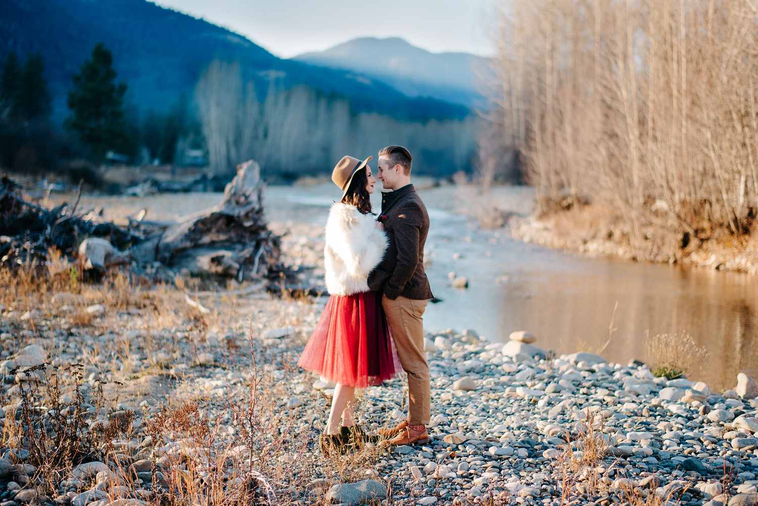 ANNIVERSARY PORTRAITS IN THE METHOW VALLEY — RYAN FLYNN PHOTOGRAPHY ...