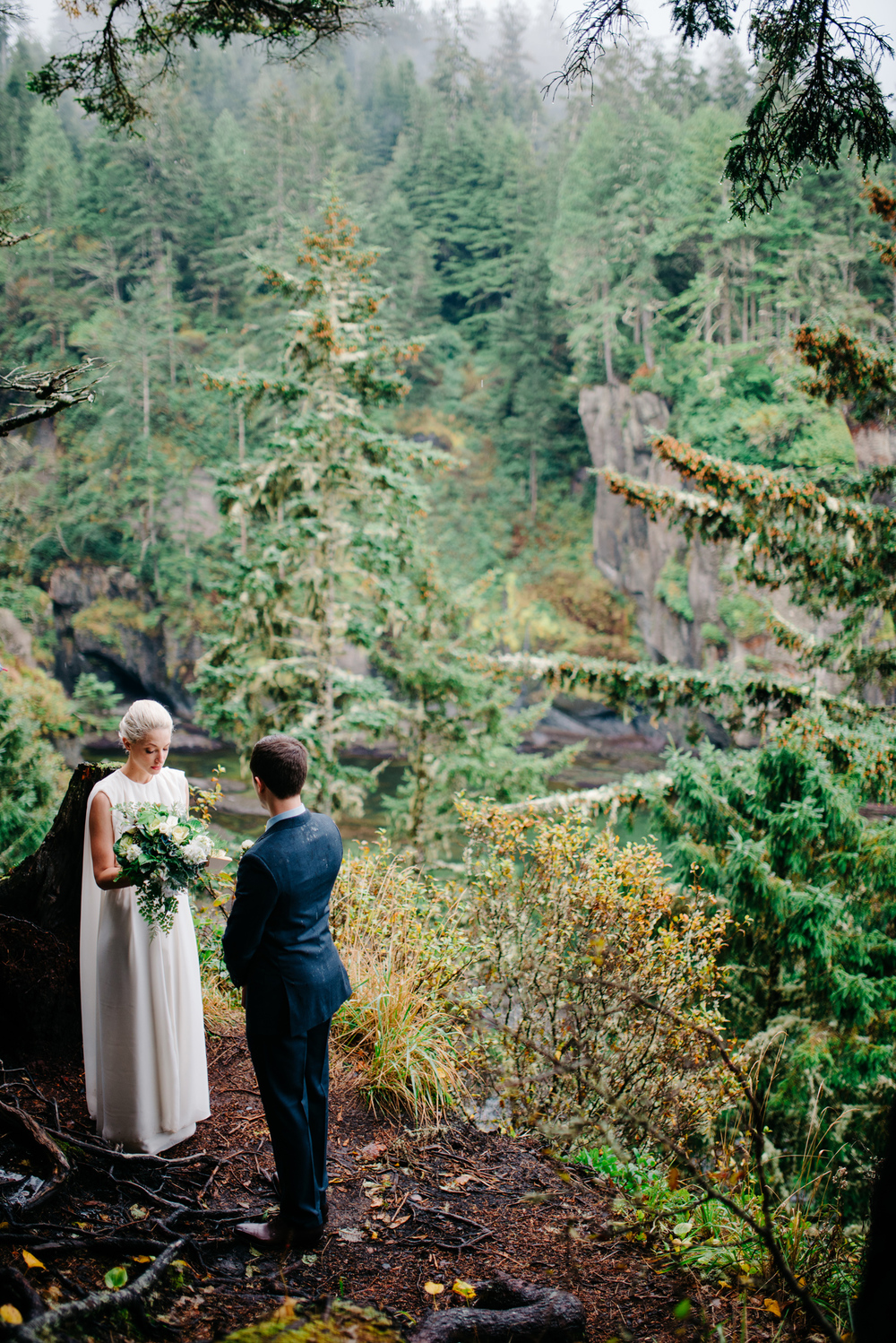 011-pnw-coastal-elopement-at-cape-flattery-by-seattle-wedding-photographer-ryan-flynn.jpg
