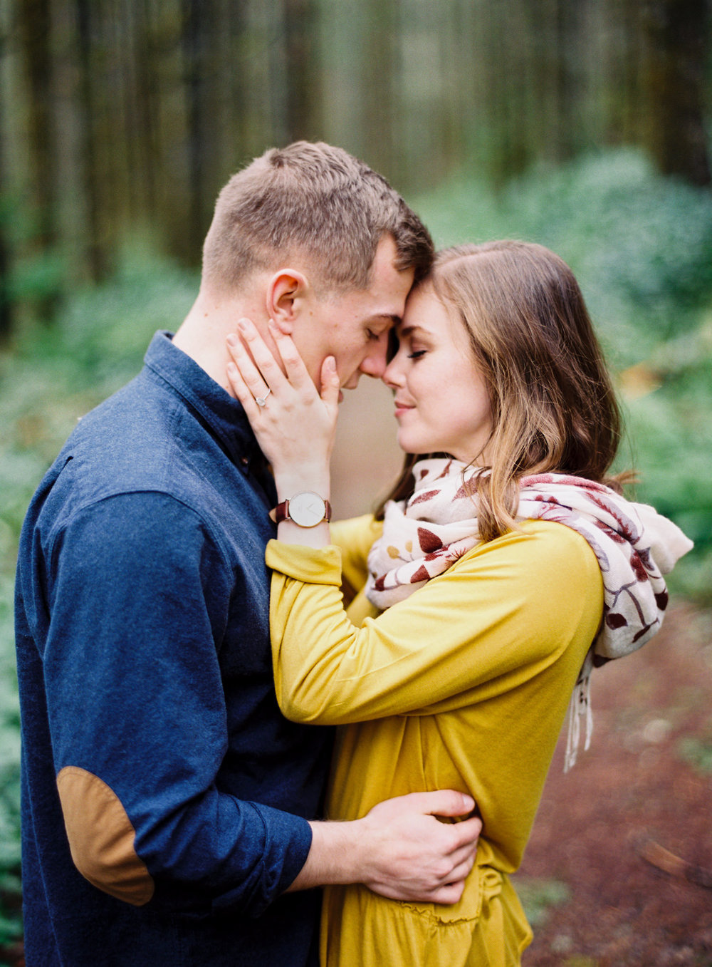 015-snoqualmie-mountain-engagement-session-seattle-film-wedding-photographer-ryan-flynn.jpg