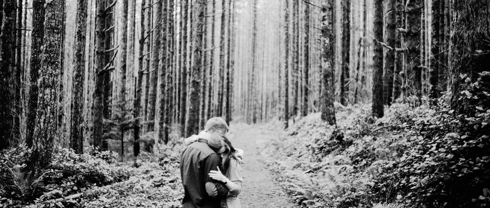 017-snoqualmie-mountain-engagement-session-seattle-film-wedding-photographer-ryan-flynn.jpg