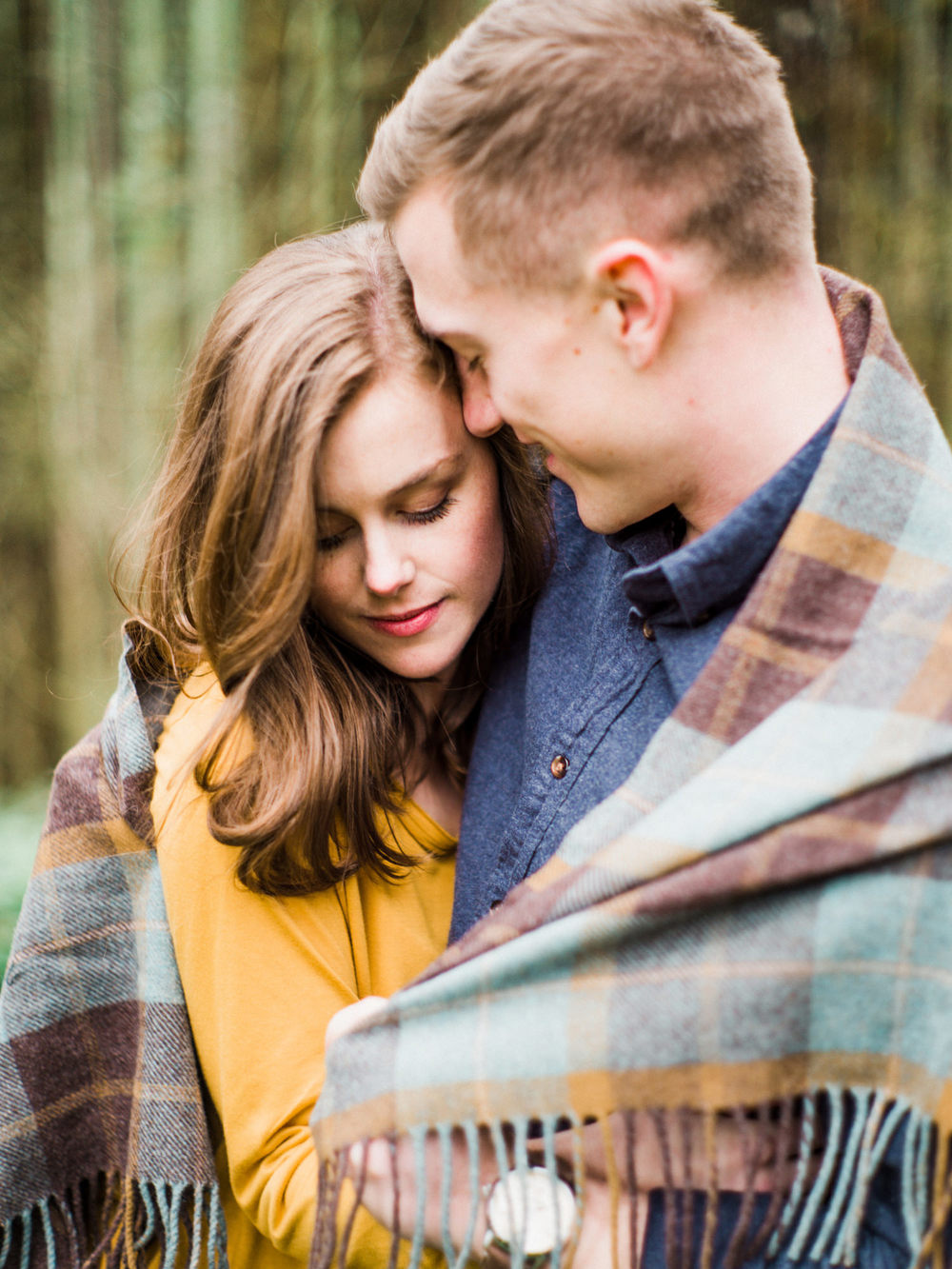 022-snoqualmie-mountain-engagement-session-seattle-film-wedding-photographer-ryan-flynn.jpg