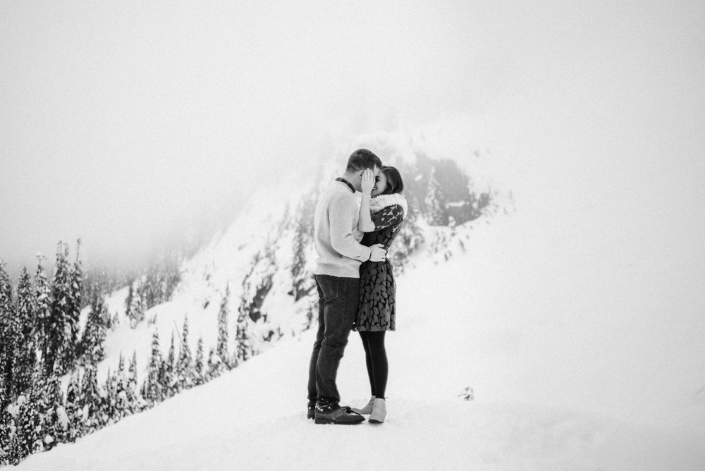 026-snoqualmie-mountain-engagement-session-seattle-film-wedding-photographer-ryan-flynn.jpg