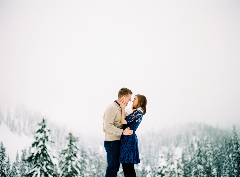 028-snoqualmie-mountain-engagement-session-seattle-film-wedding-photographer-ryan-flynn.jpg