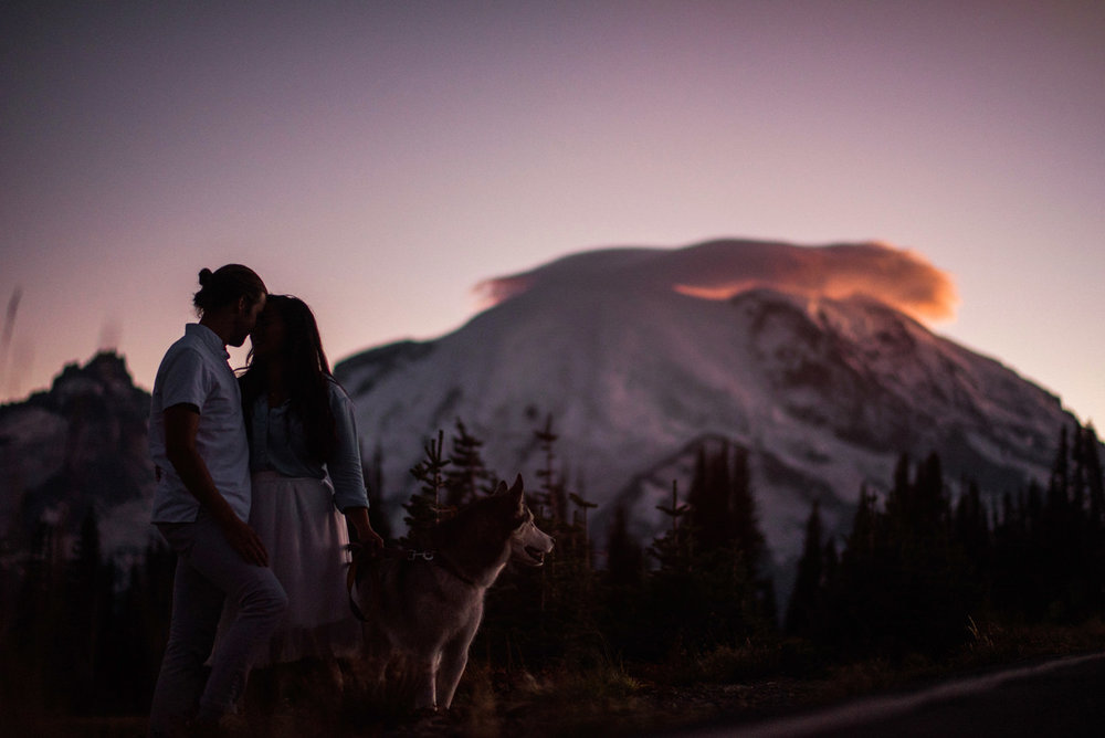 019-mt-rainier-engagement-photo-with-husky-by-ryan-flynn-photography.jpg