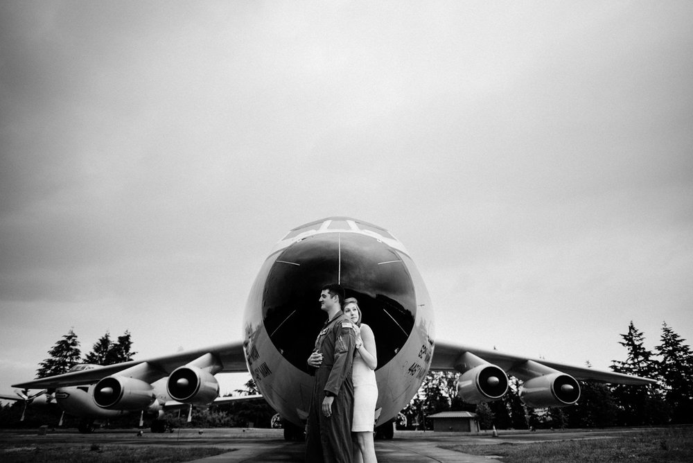 051-engagment-session-at-jblm-with-pilot-by-tacoma-wedding-photographer.jpg