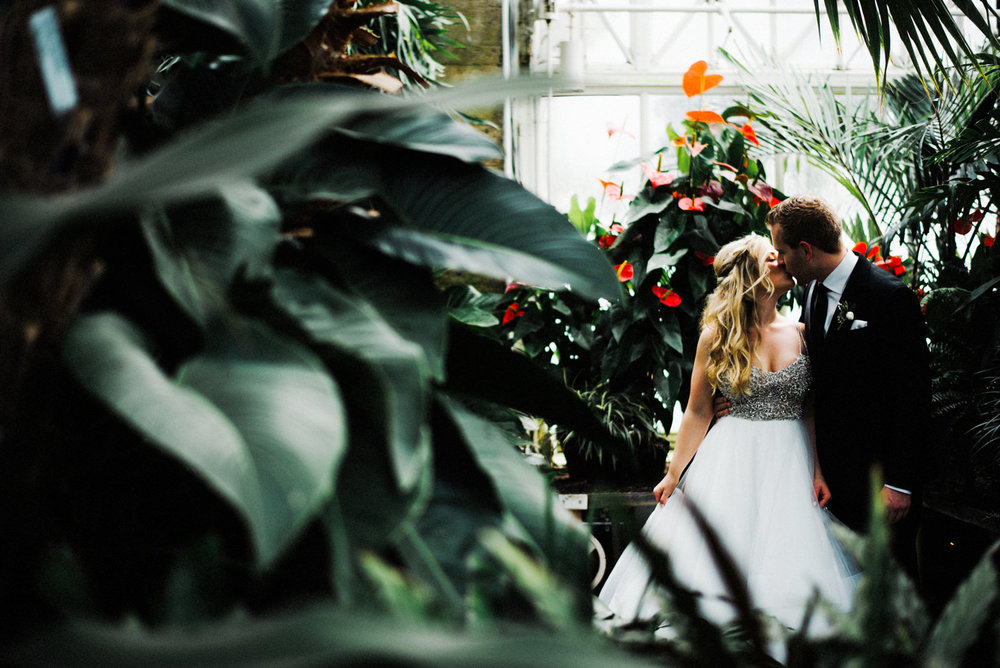 053-stylish-wedding-portrait-at-volunteer-park-conservatory-by-ryan-flynn-photography.jpg