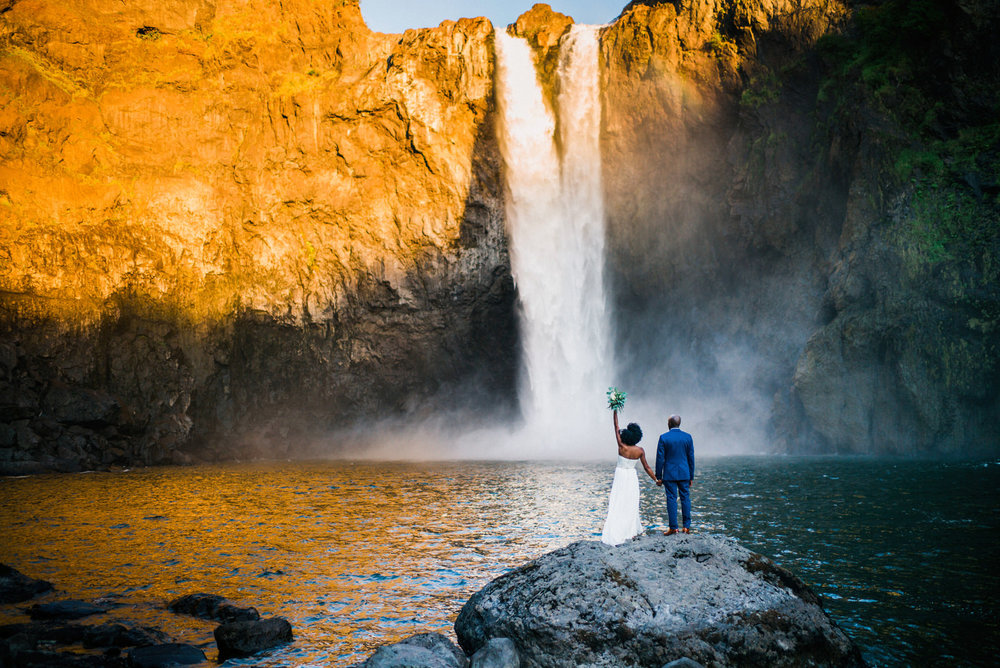 089-snoqualmie-falls-elopement-by-best-washington-elopement-photographer-ryan-flynn.jpg