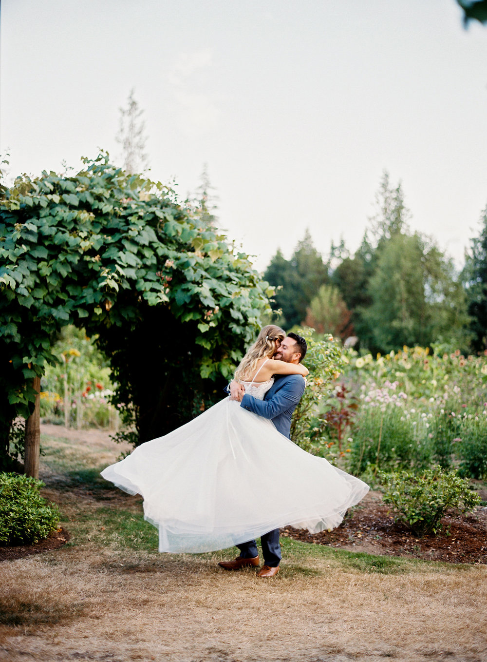 133-bride-and-groom-dancing-at-the-farm-kitchen-by-seattle-film-photographer-ryan-flynn.jpg