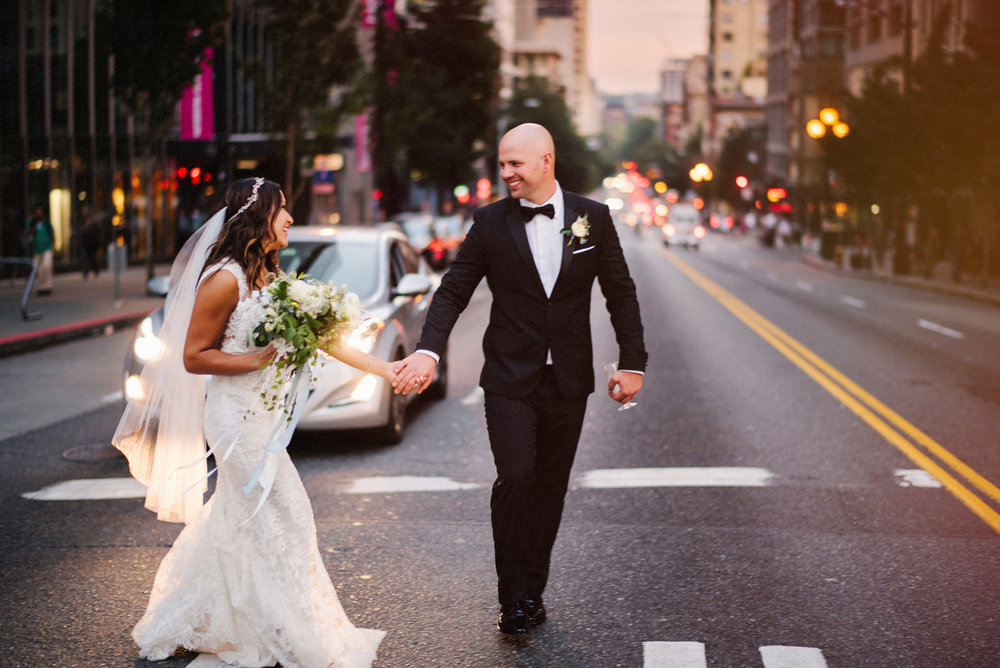 253-bride-crossing-street-in-downtown-seattle-by-best-washington-wedding-photographer.jpg