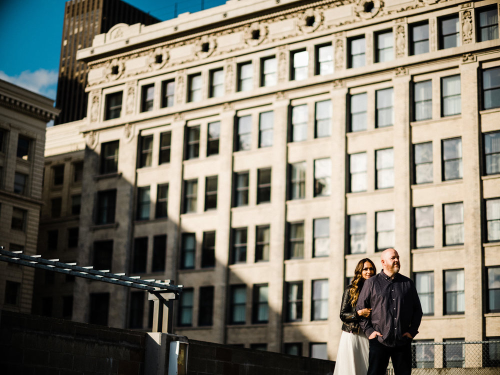 094-pioneer-square-urban-engagement-shoot-in-seattle.jpg
