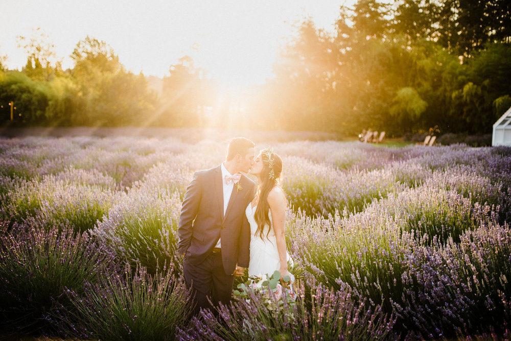 100-woodinville-lavendar-farm-wedding-with-golden-glowy-photos.jpg