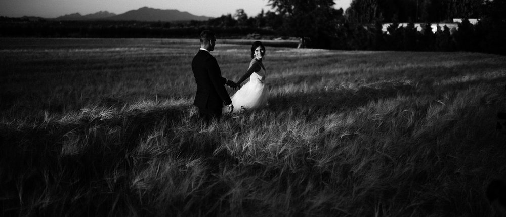 206-woodland-farm-meadow-wedding-by-best-seattle-film-photographer.jpg
