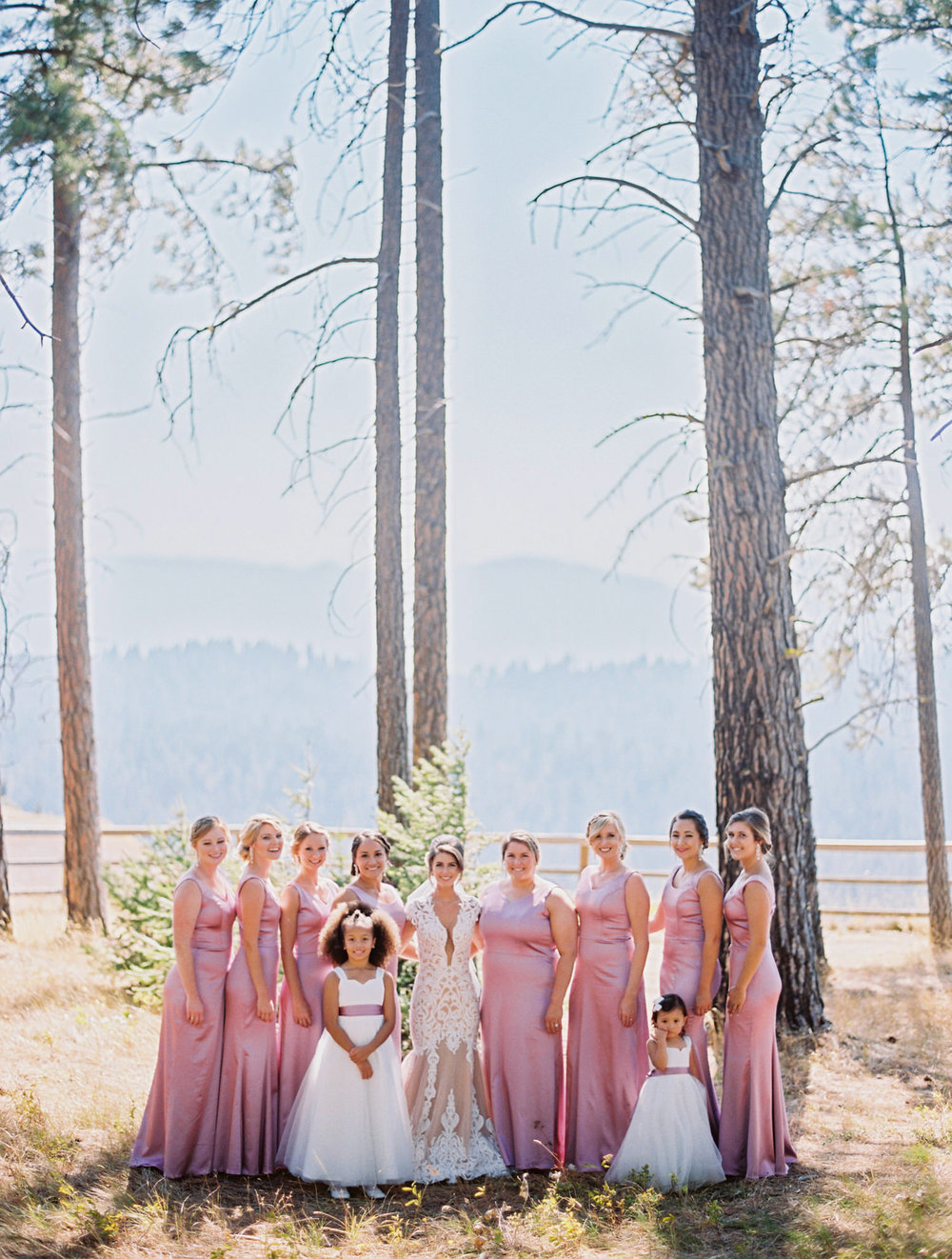260-bright-coral-wedding-with-sinclair-and-moore-at-suncadia-resort.jpg