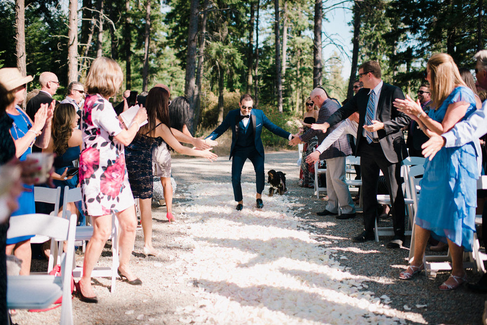 265-bright-coral-wedding-with-sinclair-and-moore-at-suncadia-resort.jpg