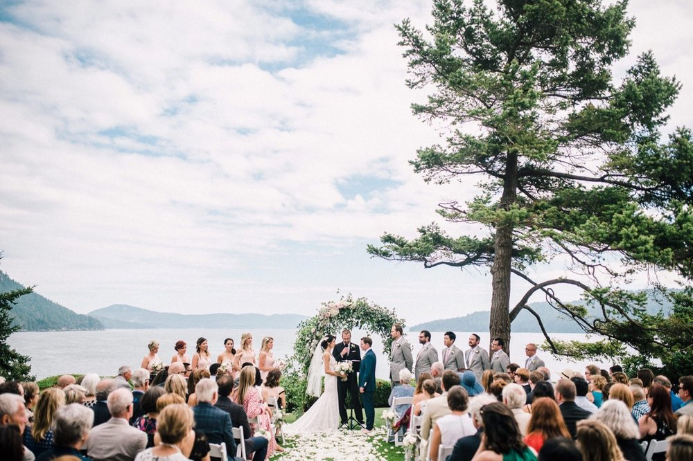 33_036-orcas-island-rosario-resort-wedding-by-best-san-juan-islands-photographer_arch_Resort_floral_ceremony_Rosario.jpg