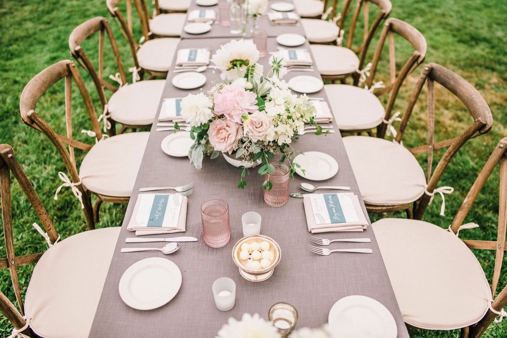 41_043-orcas-island-rosario-resort-wedding-by-best-san-juan-islands-photographer_Orcas_tablescape_blush_Island_White_Wedding.jpg